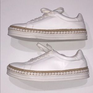 Super Cute WOMEN'S WHITE SNEAKERS